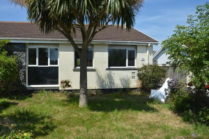 3 Bedrooms Bungalow for sale in 12 CROFT PARC, THE LIZARD, TR12