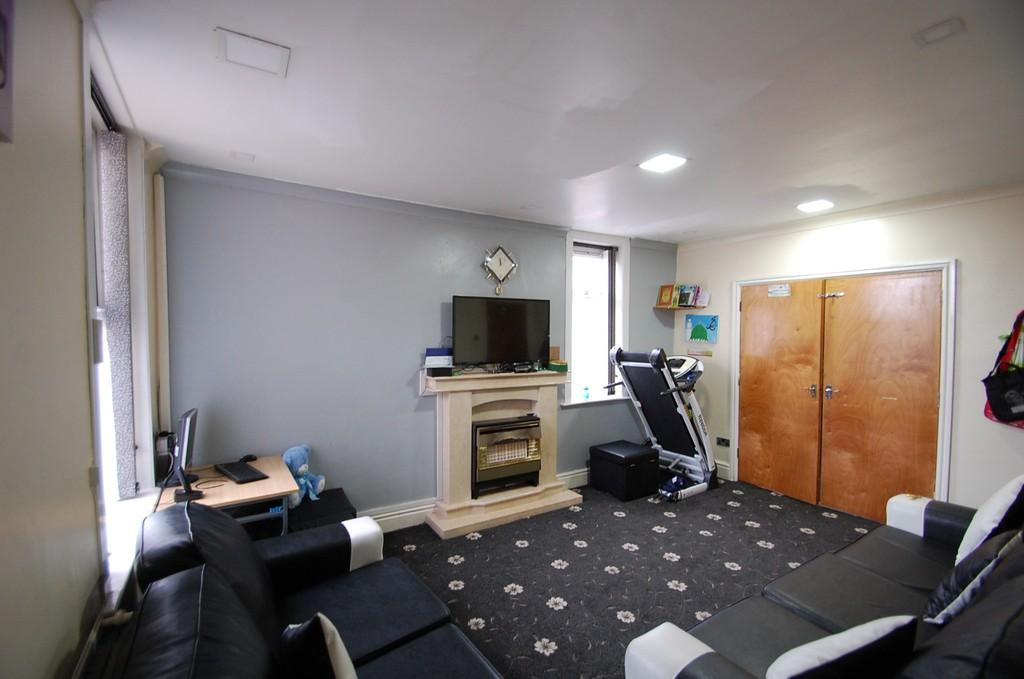 5 Bedrooms Terraced House for sale in Bromley Street, Wensley Fold, Blackburn