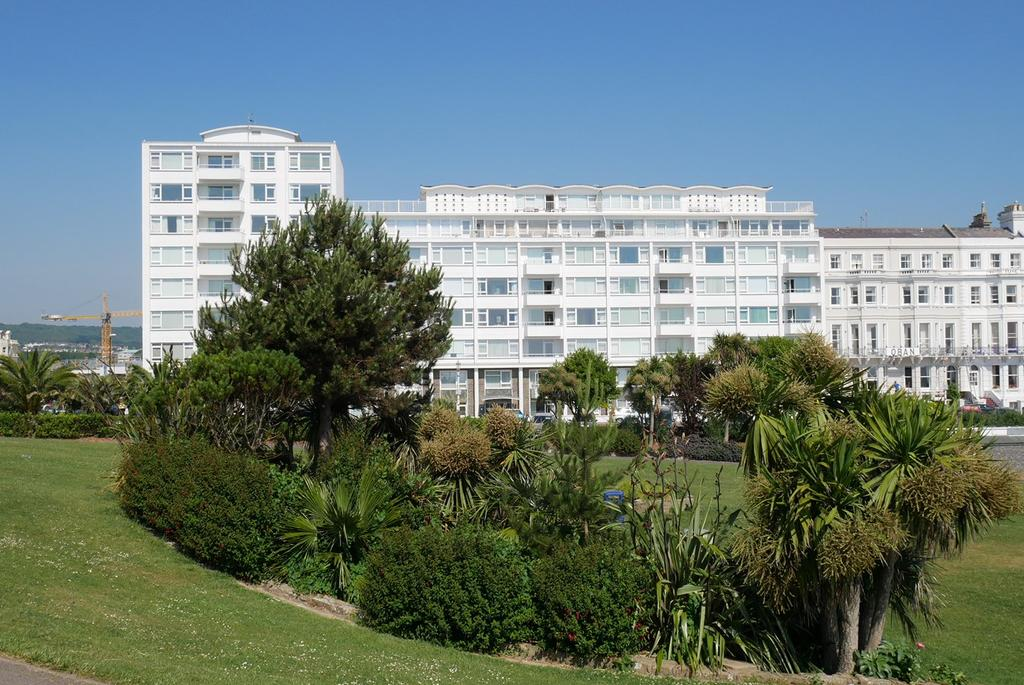 2 Bedrooms Apartment Flat for sale in King Edwards Parade, Eastbourne, BN21
