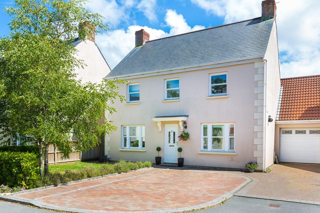 4 Bedrooms Detached House for sale in Carlton Drive, St. Peter Port, Guernsey
