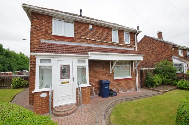 3 Bedrooms Semi Detached House for sale in Cullercoats Road, Hylton Castle, SR5