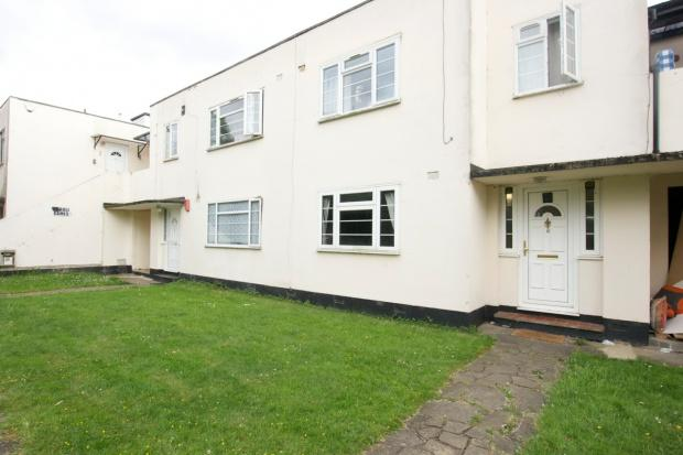 2 Bedrooms Flat for sale in South Gardens The Avenue, Wembley, HA9