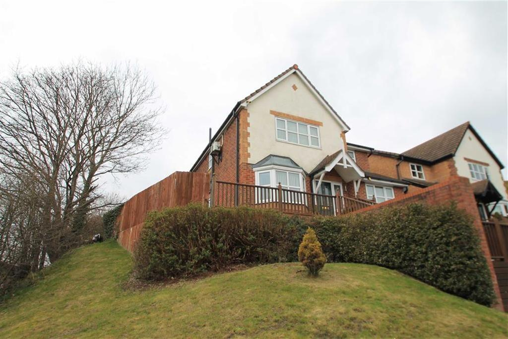 4 Bedrooms Detached House for sale in Tegid Drive, New Broughton, Wrexham