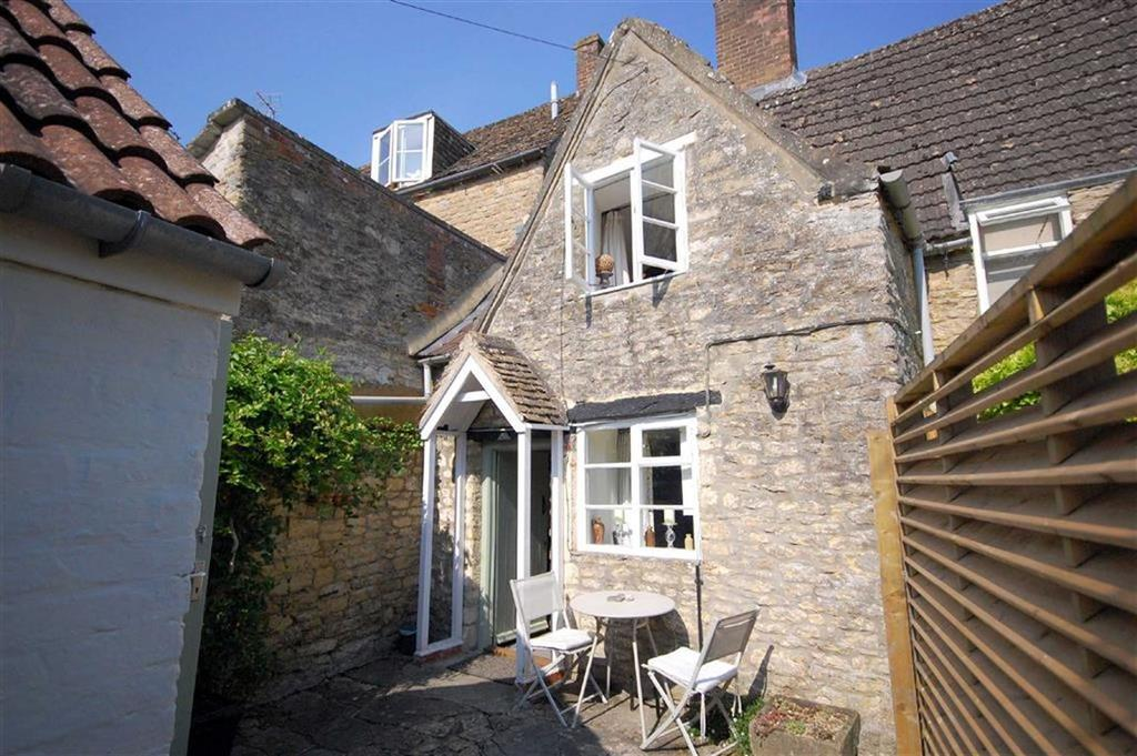 2 Bedrooms Cottage House for sale in Rose Cottage, 53, Burnivale, Malmesbury, Wiltshire