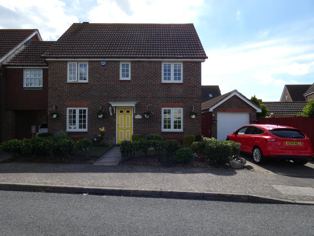 4 Bedrooms Detached House for sale in Church Road, Thorrington CO7