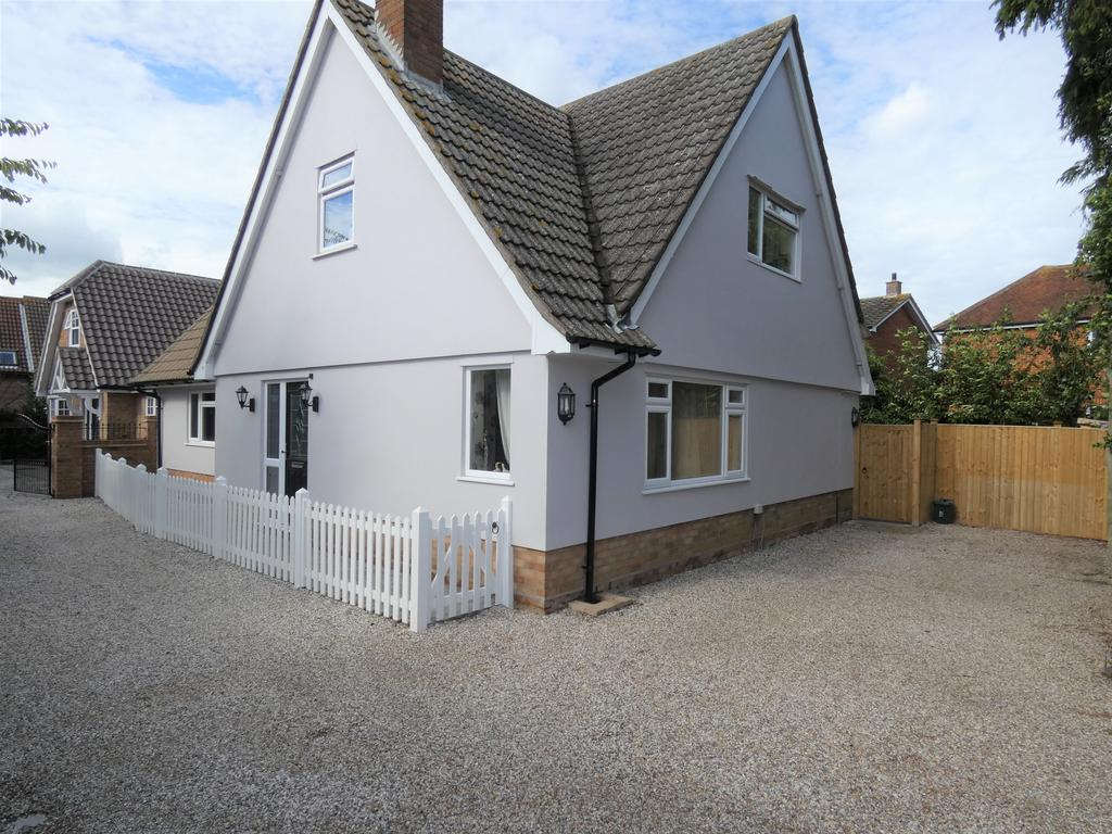 5 Bedrooms Detached House for sale in Coggeshall Road, Braintree CM7