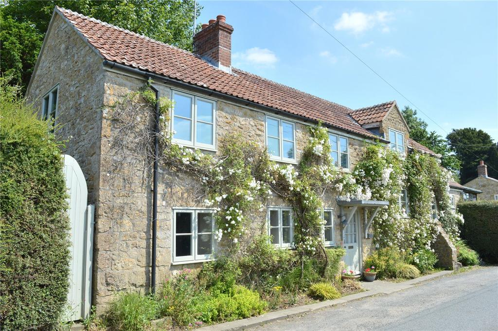 3 Bedrooms Detached House for sale in West Milton, Bridport, Dorset