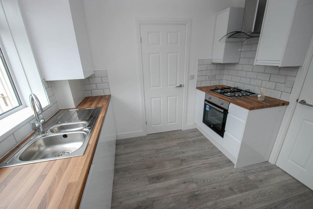 3 Bedrooms Semi Detached House for sale in Fulwell Avenue, South Shields