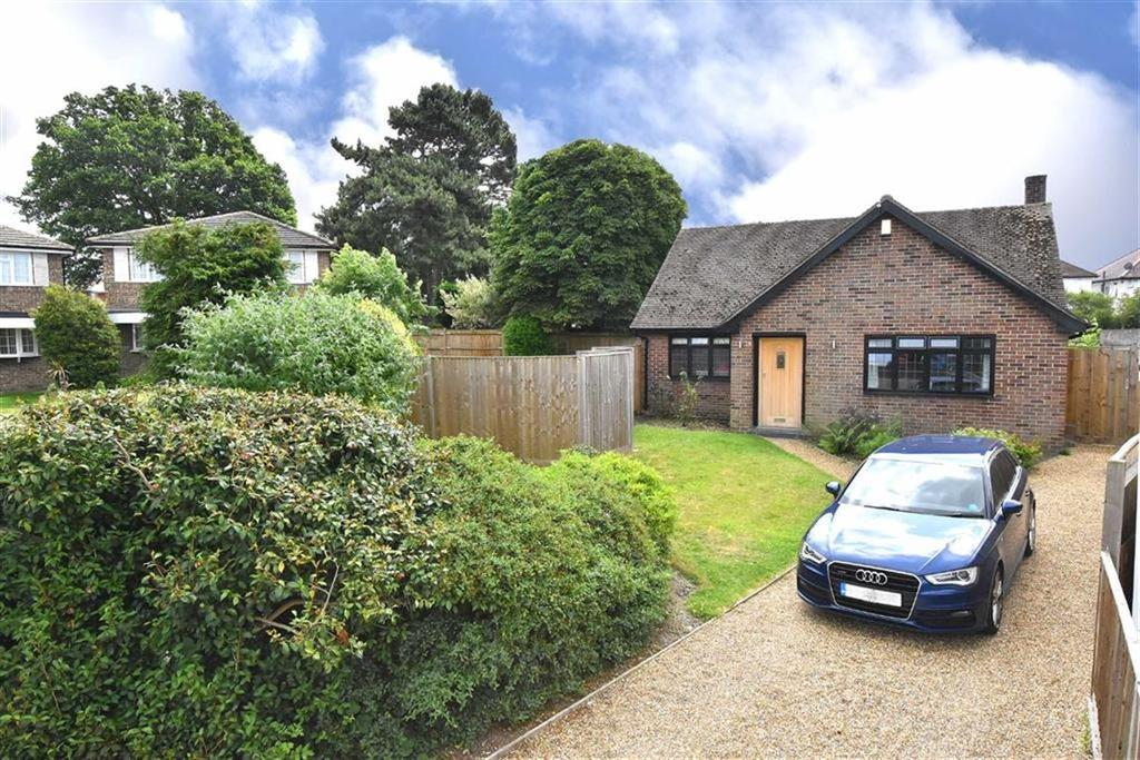 2 Bedrooms Detached Bungalow for sale in Eastbury Road, Petts Wood, Kent