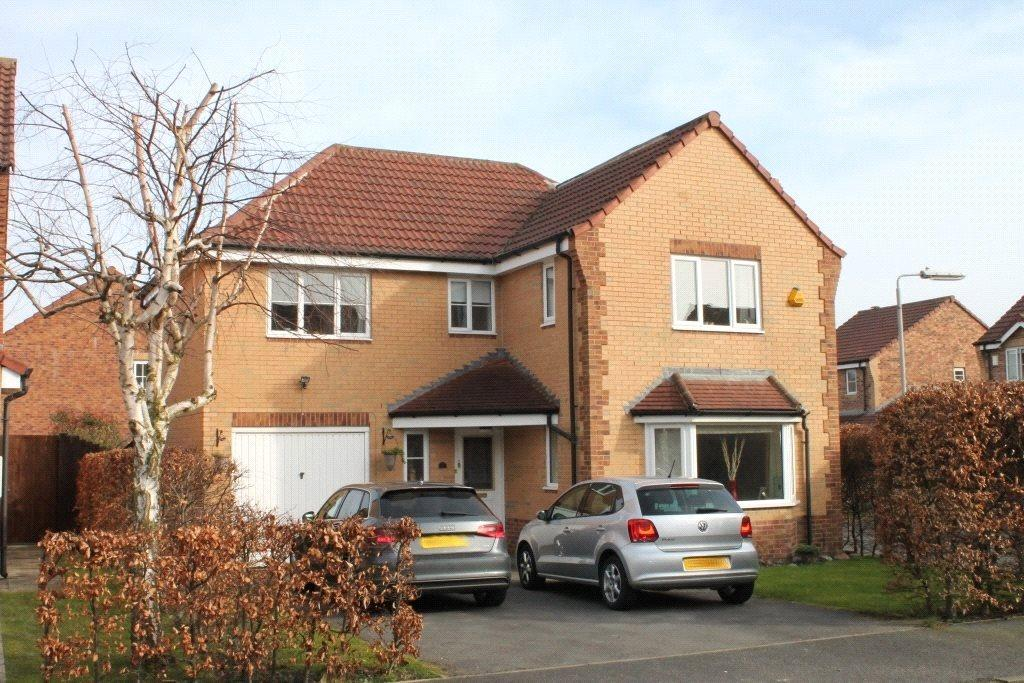 4 Bedrooms Detached House for sale in Cornstone Fold, Farnley, Leeds