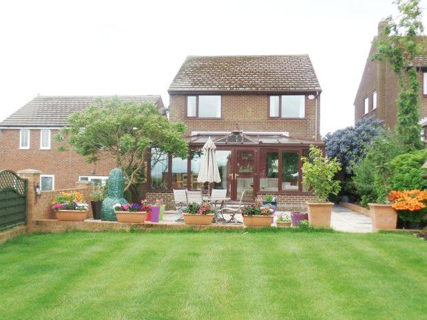 4 Bedrooms Detached House for sale in CADWELL LANE, EASINGTON VILLAGE, PETERLEE AREA VILLAGES