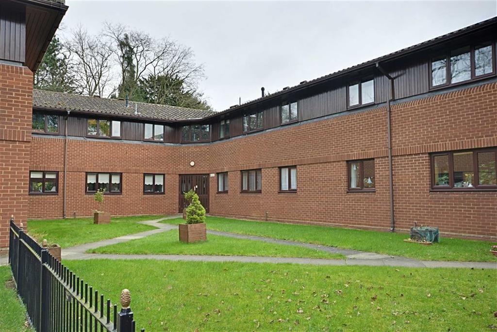 2 Bedrooms Flat for sale in Elton Court, Elton Road, Bengeo, Herts, SG14