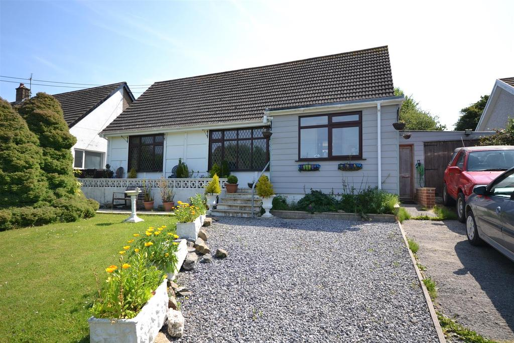 4 Bedrooms Detached Bungalow for sale in Aberporth