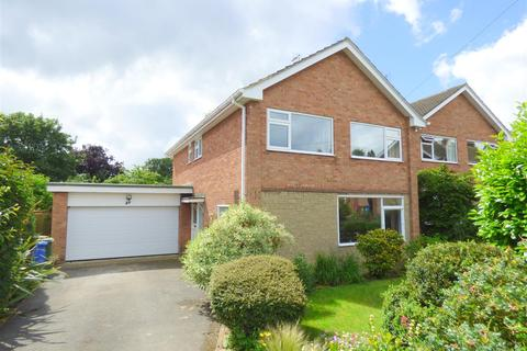 4 bedroom detached house for sale - 27 Elmsall Drive, Beverley, East Yorkshire, HU17 7HL