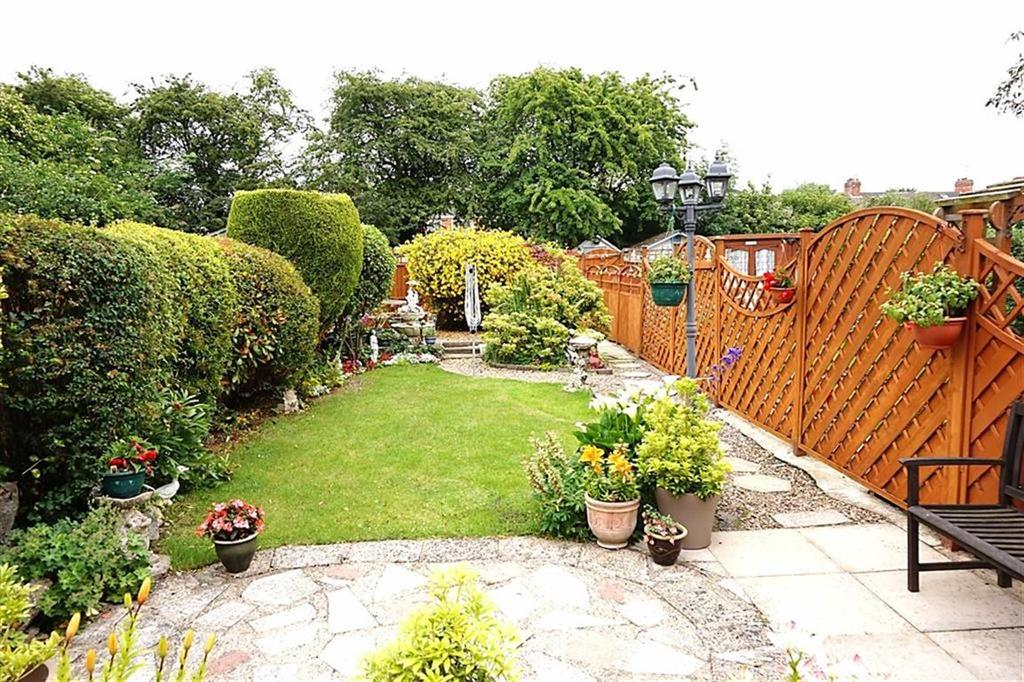 3 Bedrooms Terraced House for sale in Cottesmore Road, Hessle, Hessle, HU13