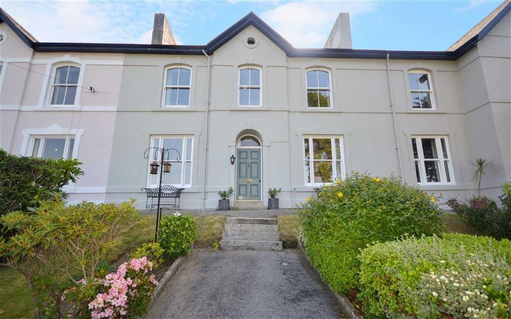 3 Bedrooms Semi Detached House for sale in Bodmin Road, St Austell, Cornwall, PL25