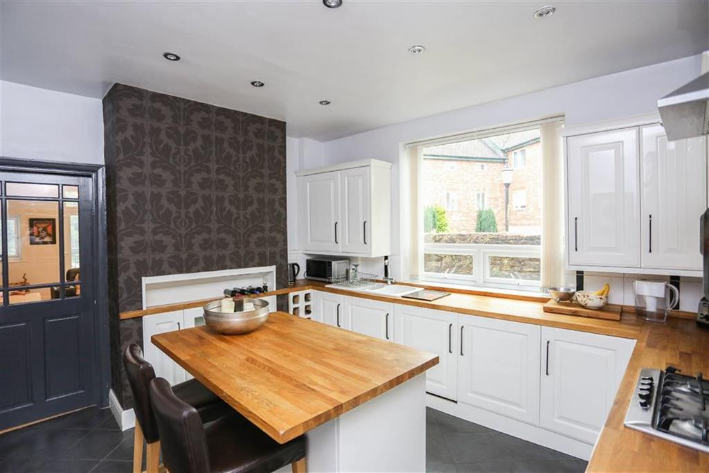 4 Bedrooms End Of Terrace House for sale in Lower Fold, Marple Bridge, Cheshire