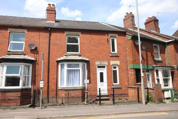 3 Bedrooms Terraced House for sale in Thorpe Road, Melton Mowbray, LE13
