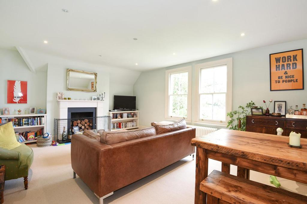 2 Bedrooms Flat for sale in Hamlet Road, Crystal Palace