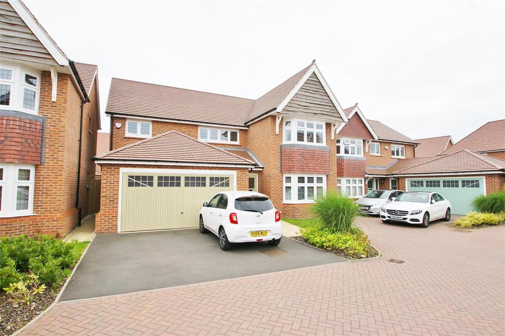 4 Bedrooms Detached House for sale in Ferriby Road, Cawston, Rugby