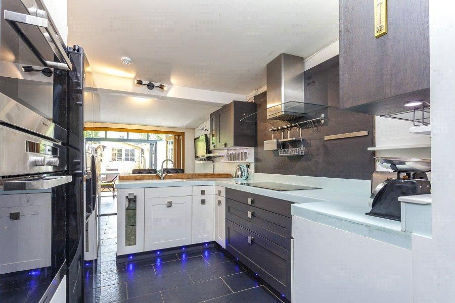 5 Bedrooms Terraced House for sale in Mayton Street, Holloway, London, N7