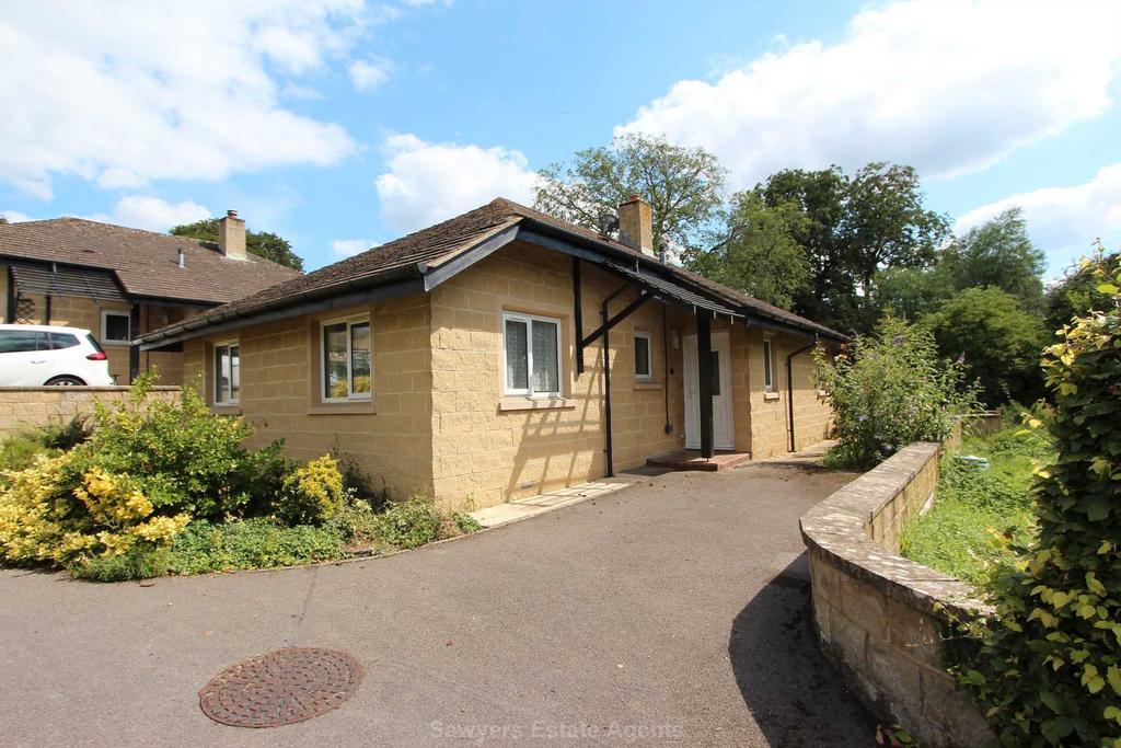 2 Bedrooms Detached Bungalow for sale in Gardeners Way, Kings Stanley