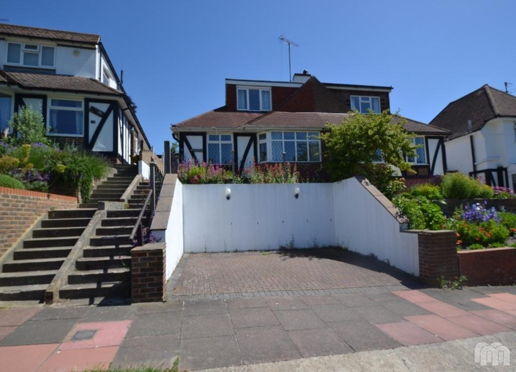 4 Bedrooms Semi Detached House for rent in Barn Rise Brighton East Sussex BN1