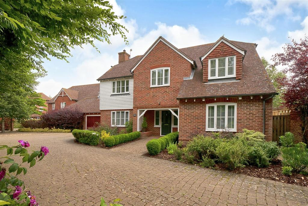 5 Bedrooms Detached House for sale in Wilkinson Place, Kings Hill, ME19 4HF