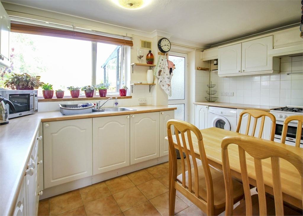3 Bedrooms Terraced House for sale in Scott Terrace, Bracknell, Berkshire