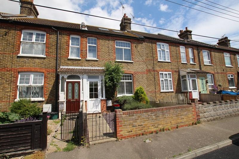 3 Bedrooms Cottage House for sale in First Avenue, Walton On The Naze