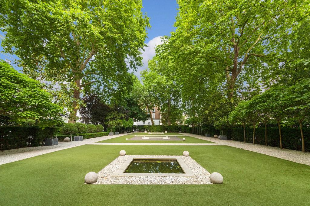 3 Bedrooms Flat for sale in Craven Hill Gardens, Bayswater, London