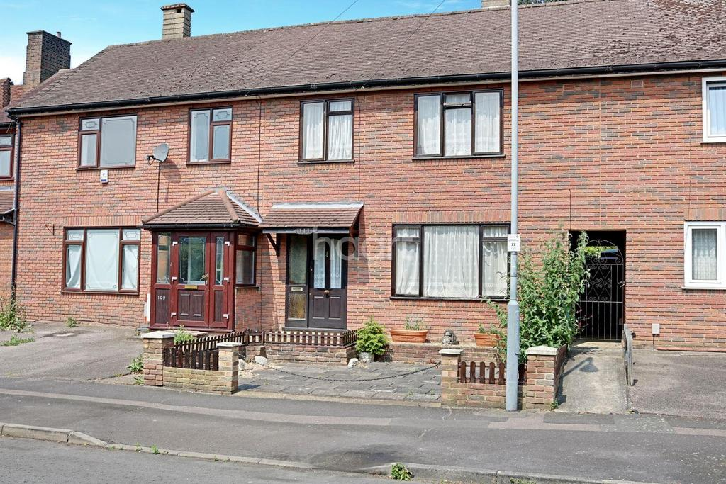 3 Bedrooms Terraced House for sale in Burrow Road, Chigwell
