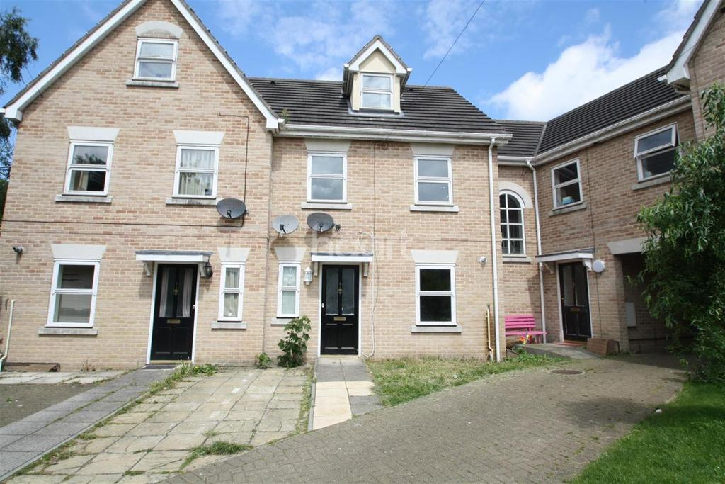 3 Bedrooms Terraced House for sale in Ipswich