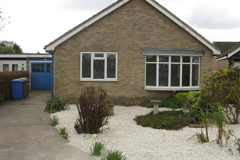 2 bedroom detached bungalow to rent - Algarth Rise, Pocklington, York