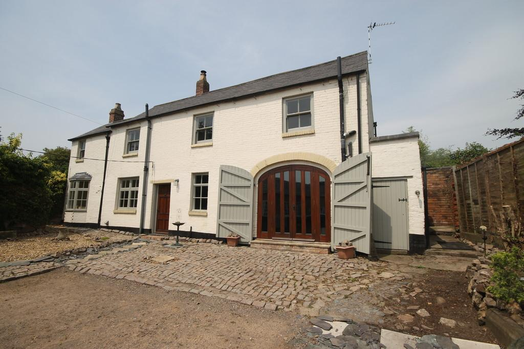 3 Bedrooms Barn Conversion Character Property for sale in Cedar Cottage, Broad Street, Enderby