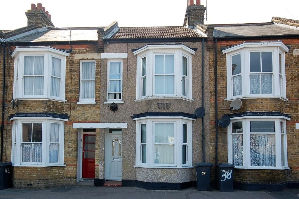3 Bedrooms Terraced House for sale in Richmond Street, Herne Bay