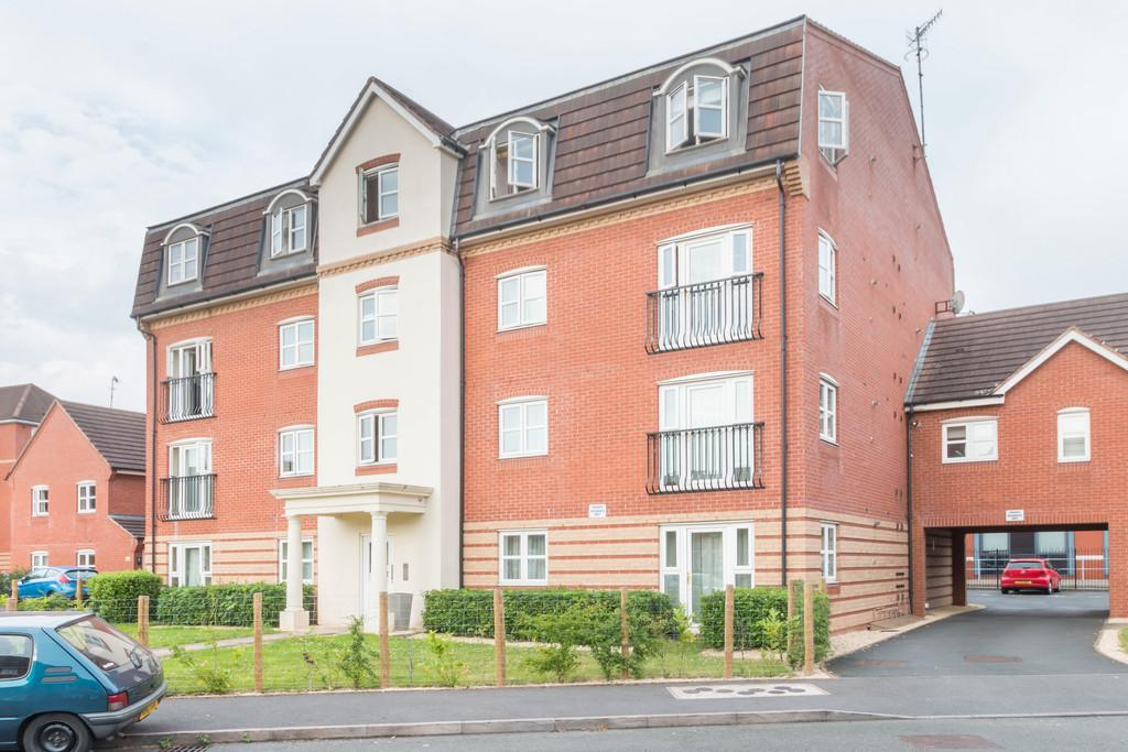 2 Bedrooms Flat for sale in Ray Mercer Way, Kidderminster, Worcestershire