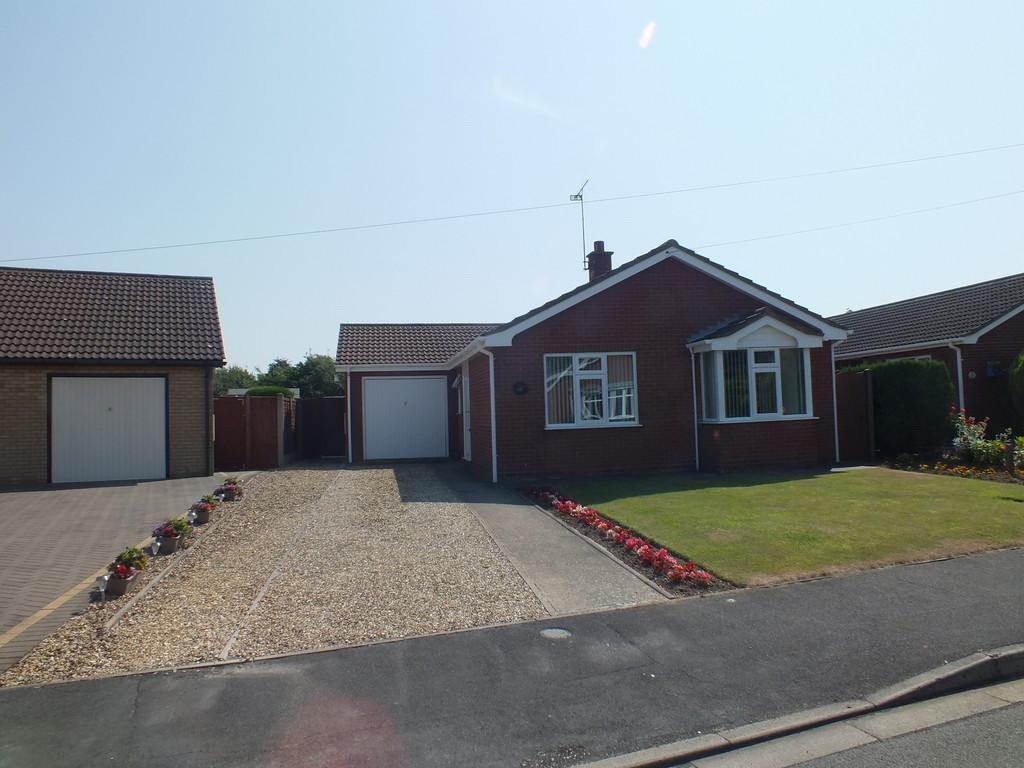 2 Bedrooms Detached Bungalow for sale in Fairview Way, Spalding