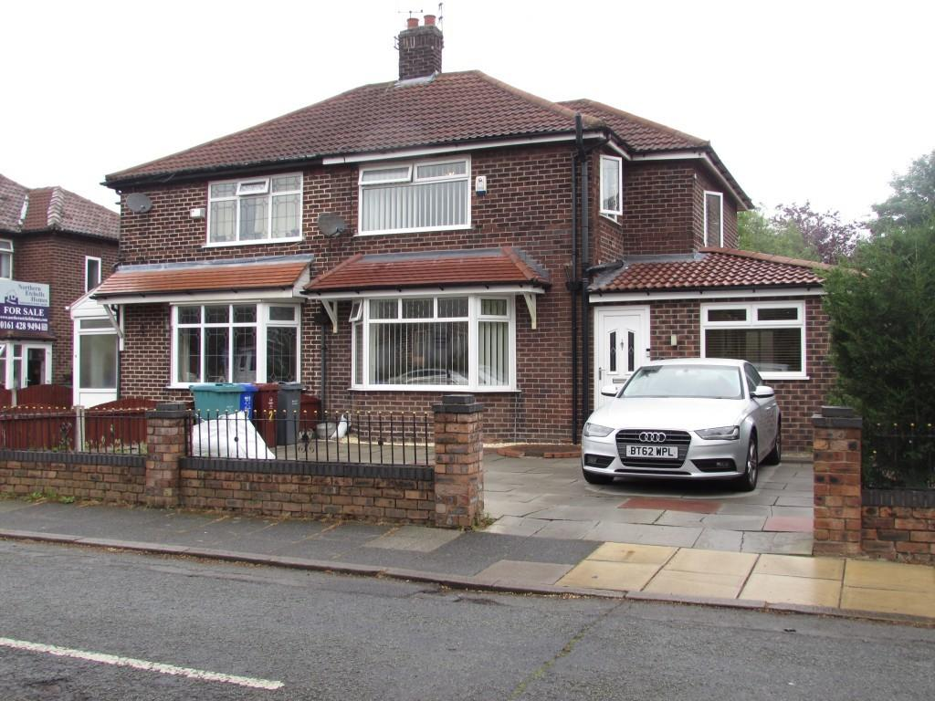 3 Bedrooms Semi Detached House for sale in Norleigh Road, Northenden Manchester