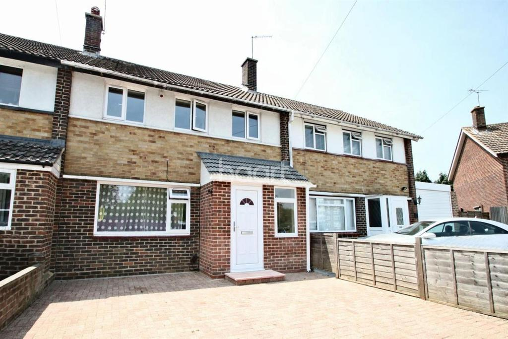 3 Bedrooms Terraced House for sale in Chertsey Crescent, Croydon, CR0