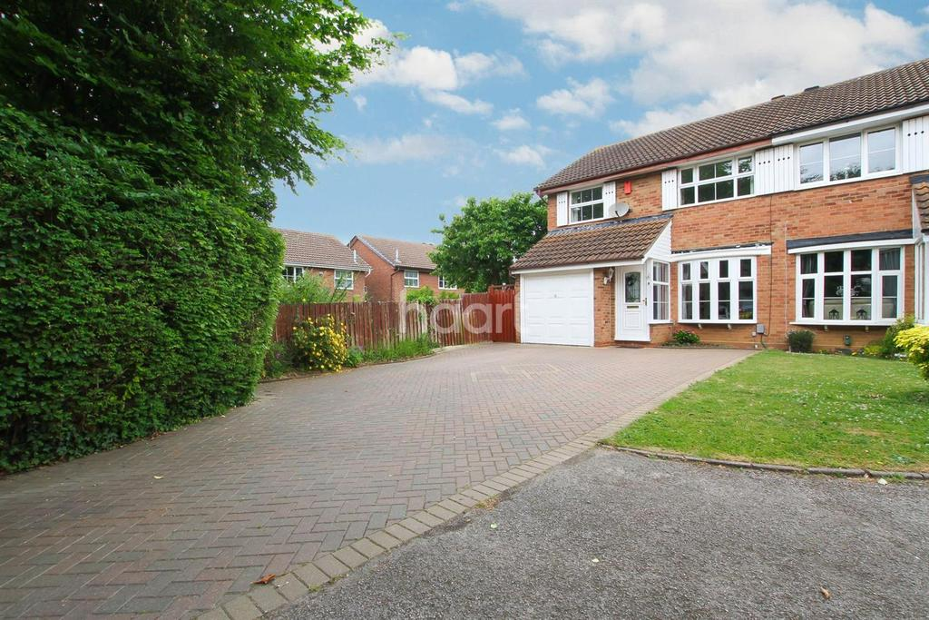 3 Bedrooms Semi Detached House for sale in Real Comfortable Living In Cicero Drive