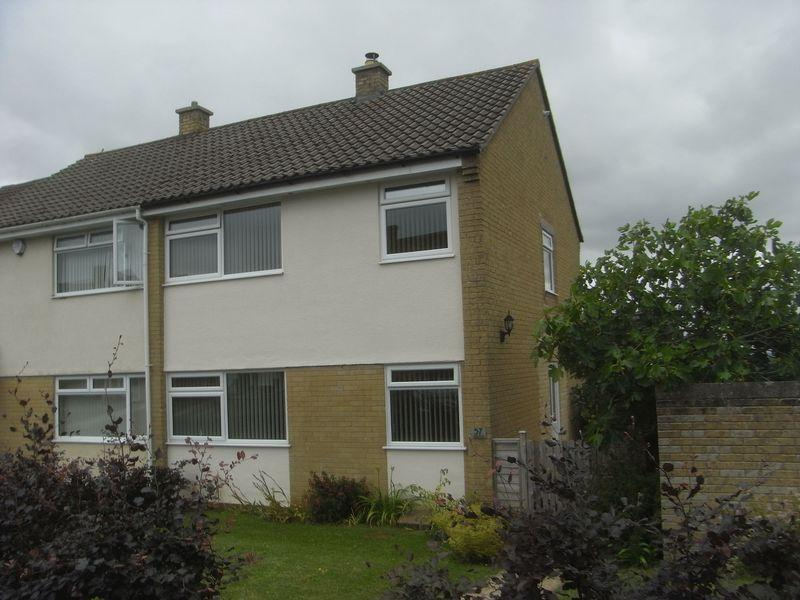 3 Bedrooms Semi Detached House for sale in Lang Road, Crewkerne