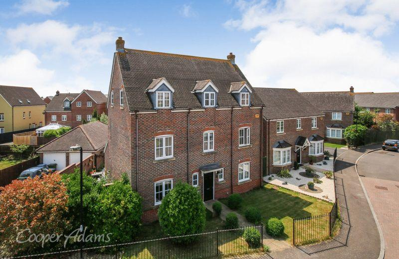 5 Bedrooms Detached House for sale in Angmering