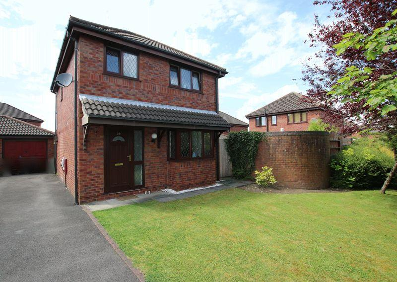 3 Bedrooms Detached House for sale in The Ferns, Lostock Hall
