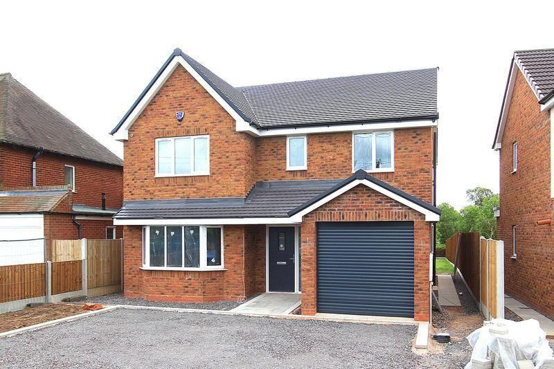 4 Bedrooms Detached House for sale in OAKEN, Shop Lane