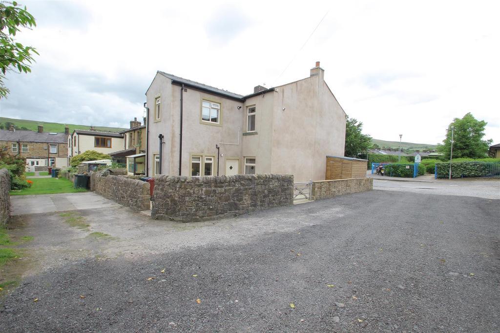 2 Bedrooms End Of Terrace House for sale in Watt Street, Sabden