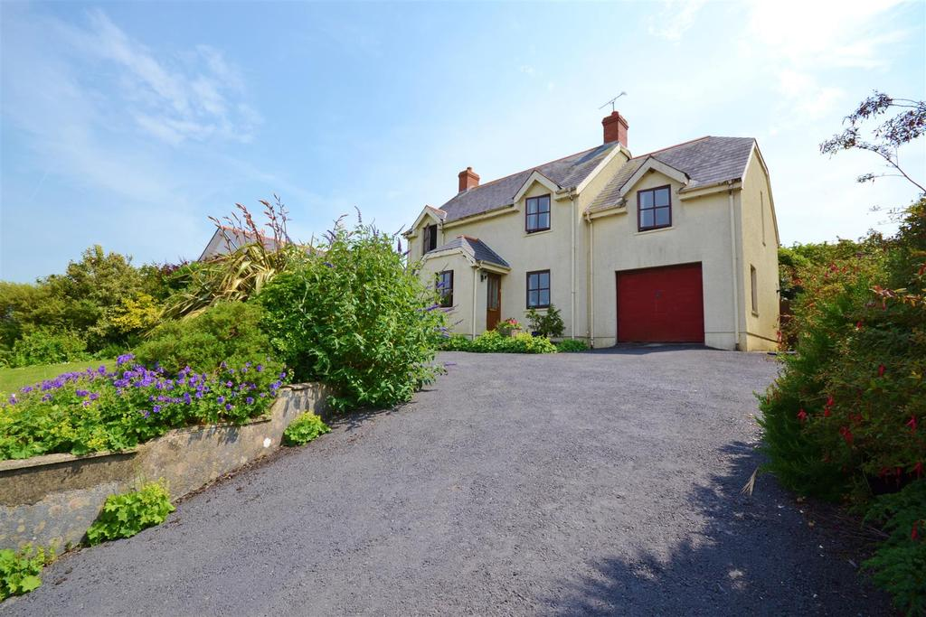 4 Bedrooms Detached House for sale in Fishguard