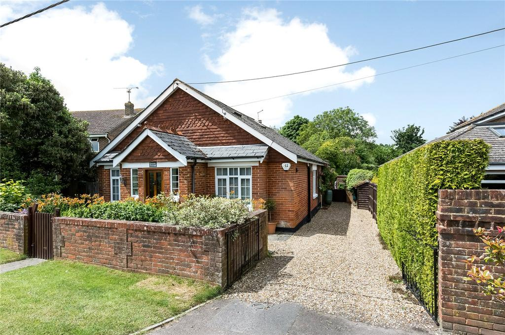 3 Bedrooms Detached House for sale in Romsey Road, Broughton, Stockbridge, Hampshire, SO20