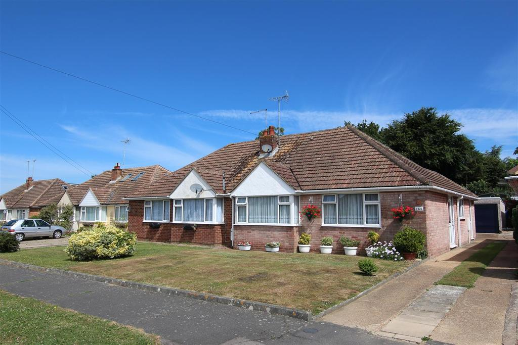 2 Bedrooms Bungalow for sale in Chanctonbury Road, Burgess Hill