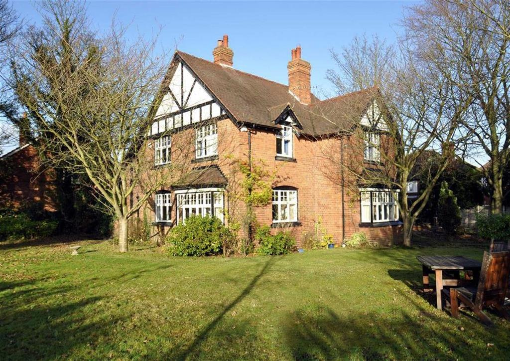 4 Bedrooms Detached House for sale in The Croft, 15, Church Road, Albrighton, Wolverhampton, Shropshire, WV7